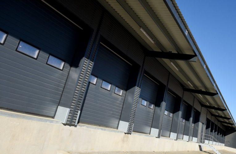 Lindab – 34 porte holder på varmen i Kolding